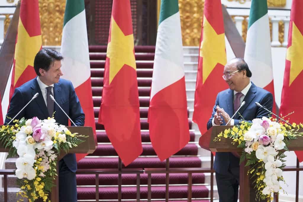 Conte in Vietnam: rafforzeremo il partenariato economico con Hanoi